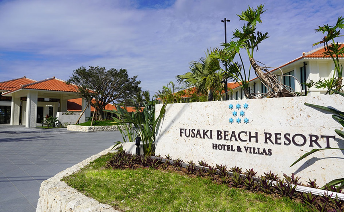 FUSAKI BEACH RESORT HOTEL & VILLAS 1