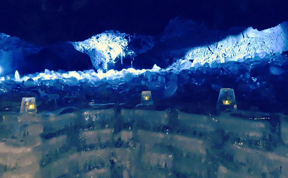 나루사와 얼음동굴