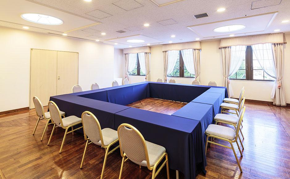 Small banquet room ( Ballroom)
