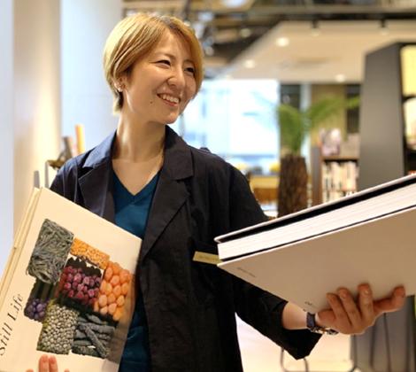 文喫」×CAFE &BRASSERIE O10「アートブックライブラリー」を新設 | アートホテル大阪ベイタワー